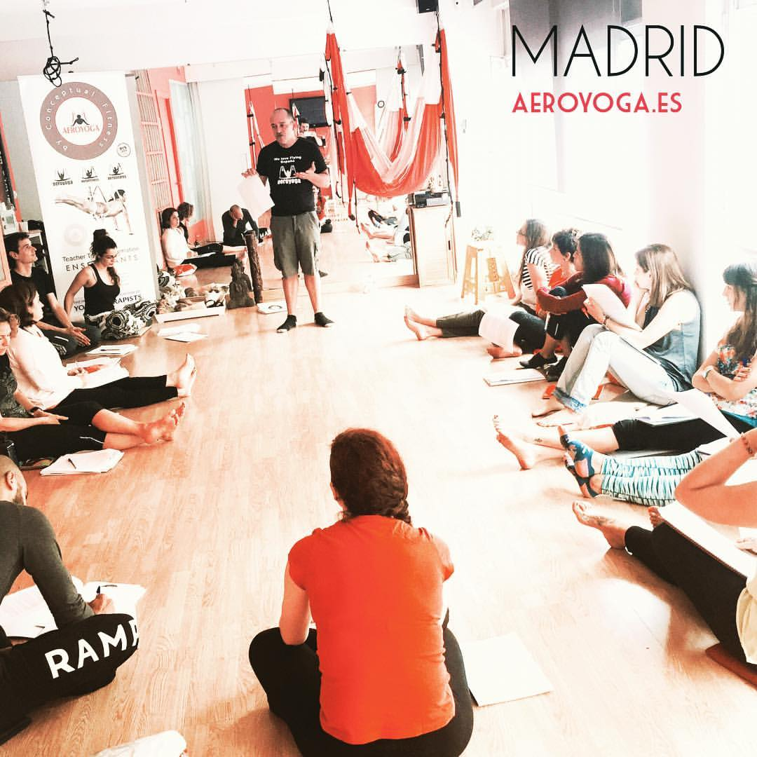 Inaugurado en Madrid Nuevo Aero Yoga Teacher Training con Rafael Martinez