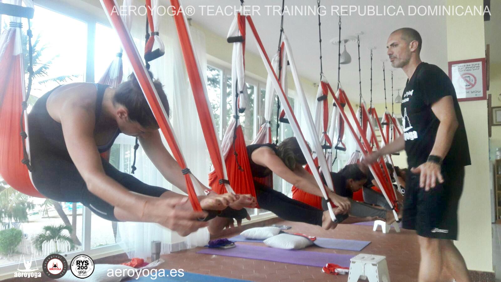 AeroYoga® Punta Cana; Iniciamos la 1a Formación Profesores Yoga y Pilates Aéreo República Dominicana