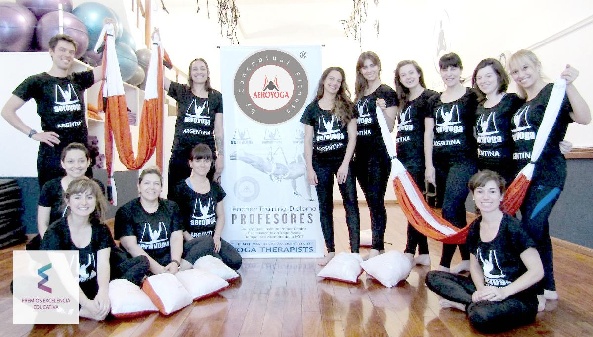 Aero Yoga Institute en Argentina tuvo su Fiesta Fin de Curso!