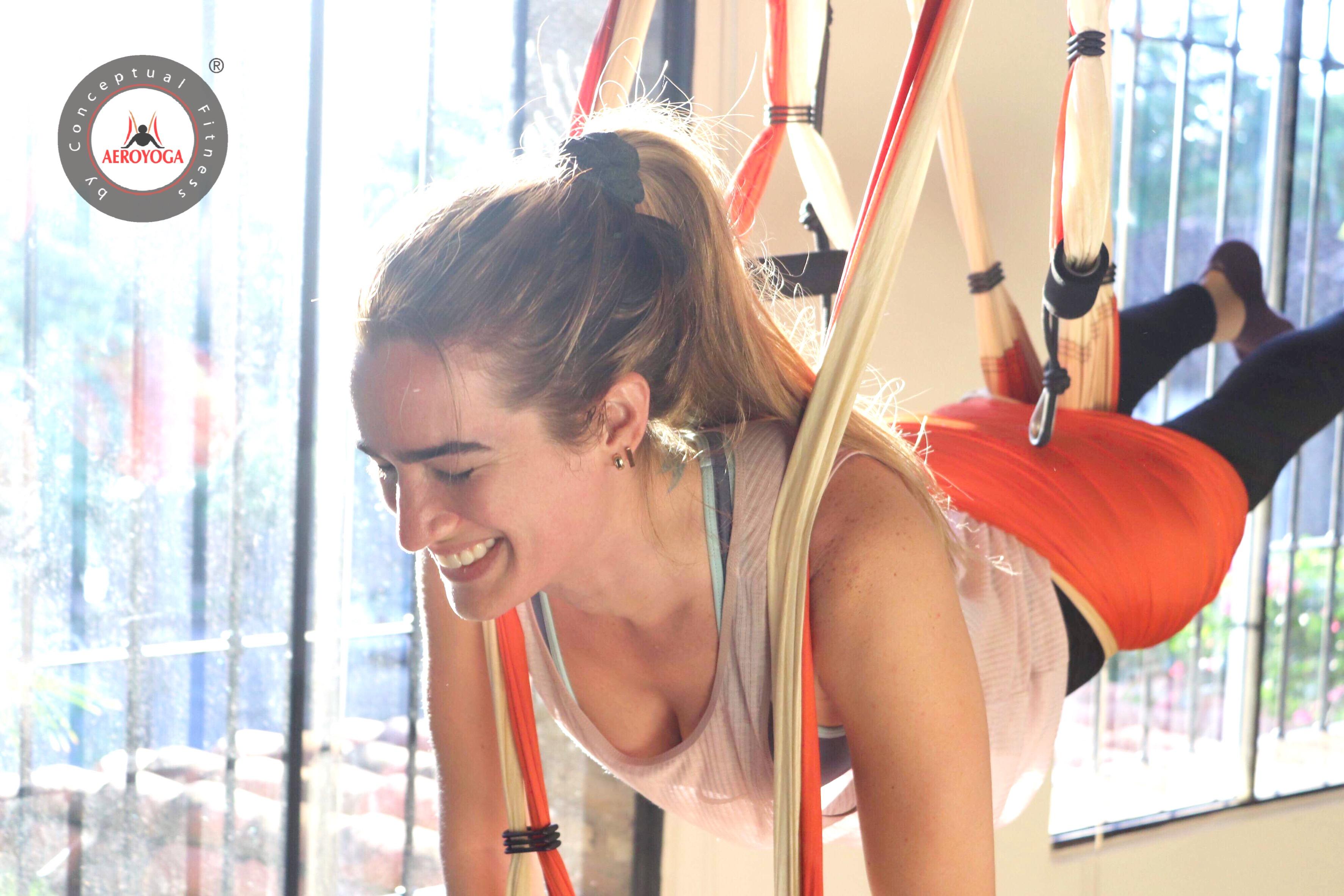 Aerial Yoga; Descubre Hoy el Album del Último Taller AeroYoga® en Paraguay