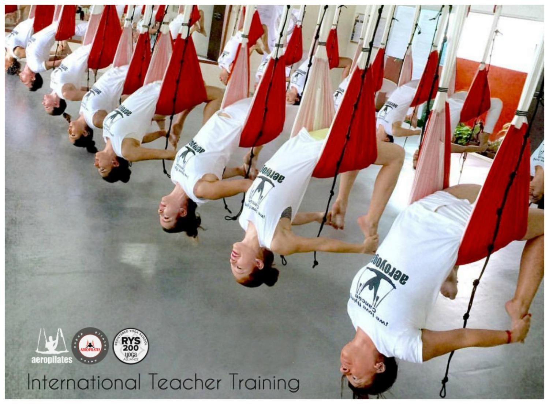 Octubre! Inscríbete a la Formación Profesores Aero Yoga International en Bogota!