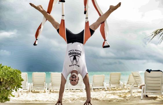 Yoga Aéreo, Beneficios Salud para Hombres con la Práctica del AeroYoga ®