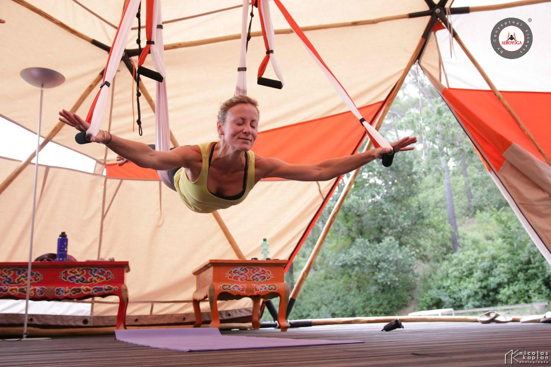 Yoga Aérien, Fly! Découvrez avec AeroYoga® la liberté d'une pratique en apesanteur