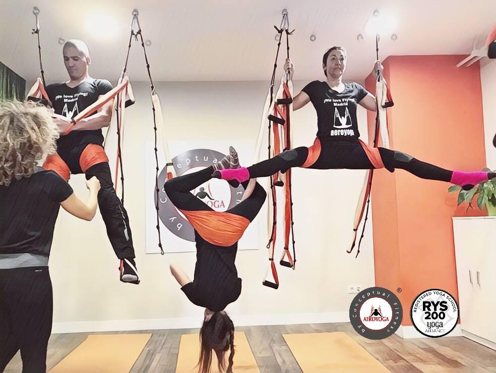 Yoga Aérien ! Voulez Vous Devenir Enseignant AeroYoga ® International? Formation Professionnelle