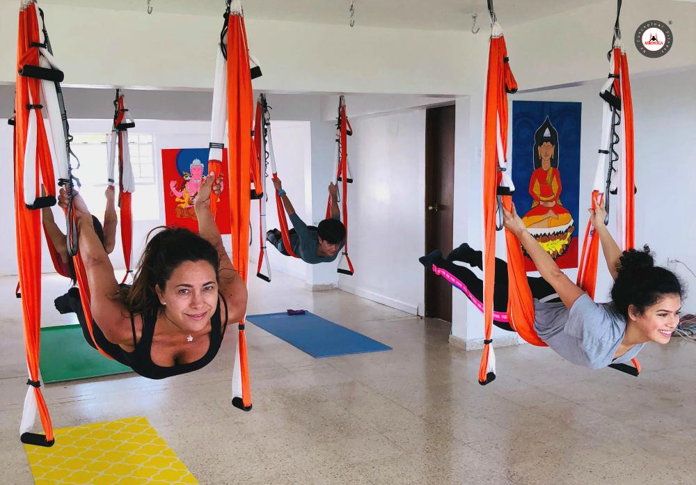 Air Yoga: Con los Estudiantes Durante la Formación AeroYoga ® Puerto Rico, Vídeo!