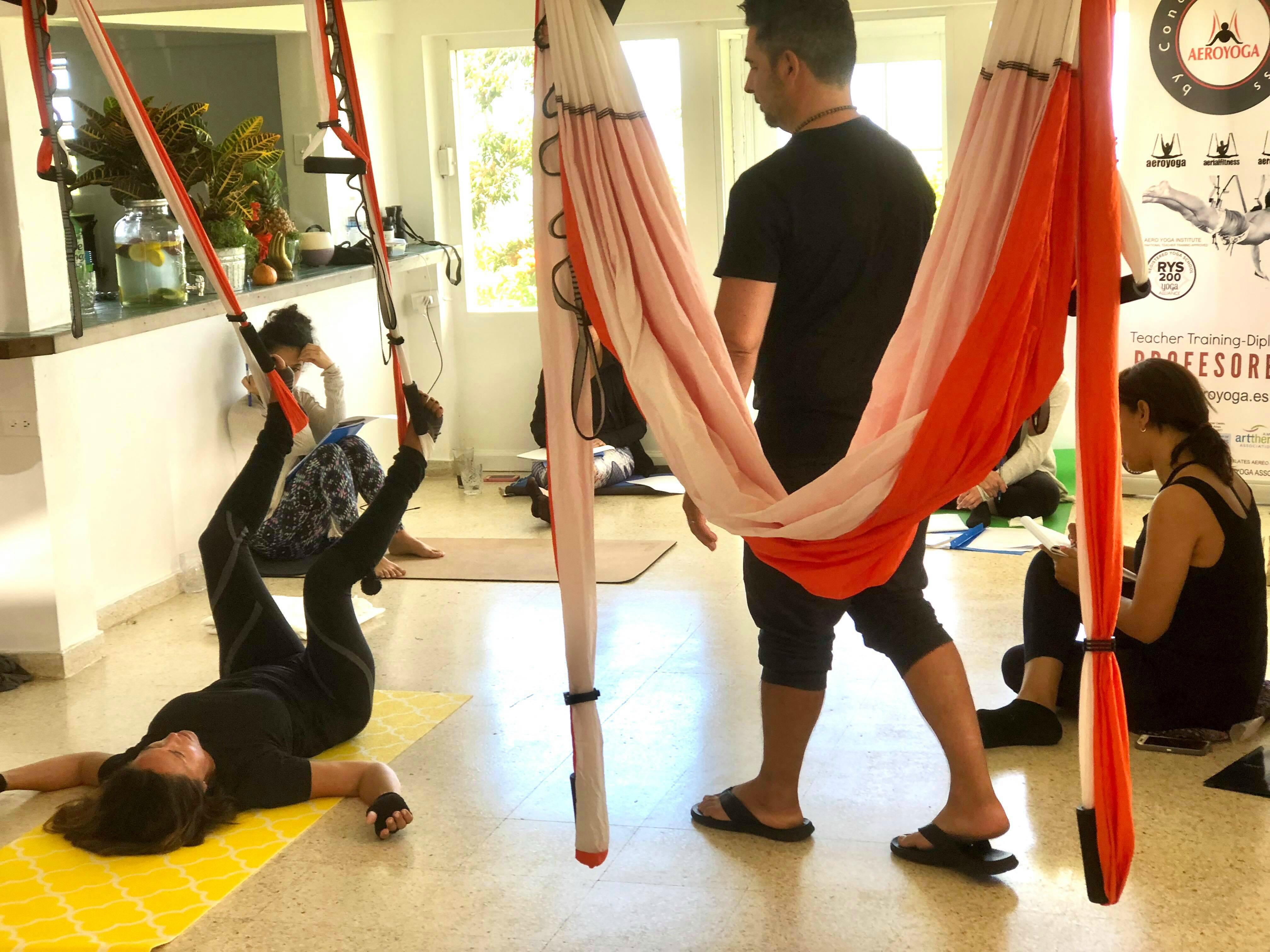 Aerial Yoga Teacher Training, Formación Profesores Puerto Rico!