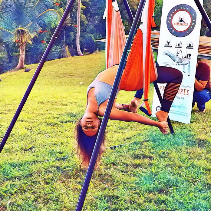 Formación Yoga Aéreo, Disfruta del Aquí y el Ahora con AeroYoga ®