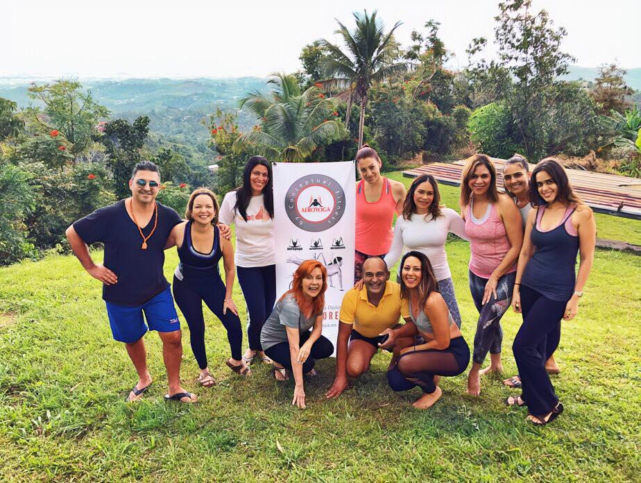 Yoga Aéreo: Descubre las Experiencias de AeroYoga ® y Ayurveda en Puerto Rico