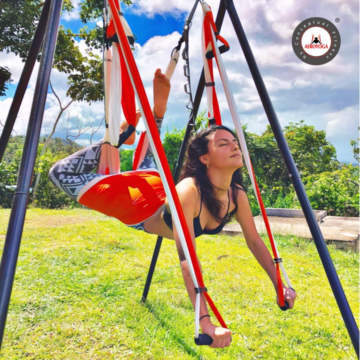 Formación Yoga Aéreo Puerto Rico, Practica el AeroYoga ® al Aire Libre