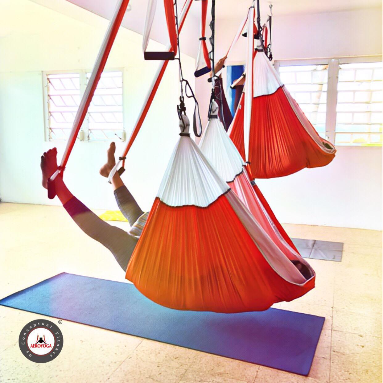 Formación Yoga Aéreo, Descubre Técnica Aérea de Masaje con Método AeroYoga ®