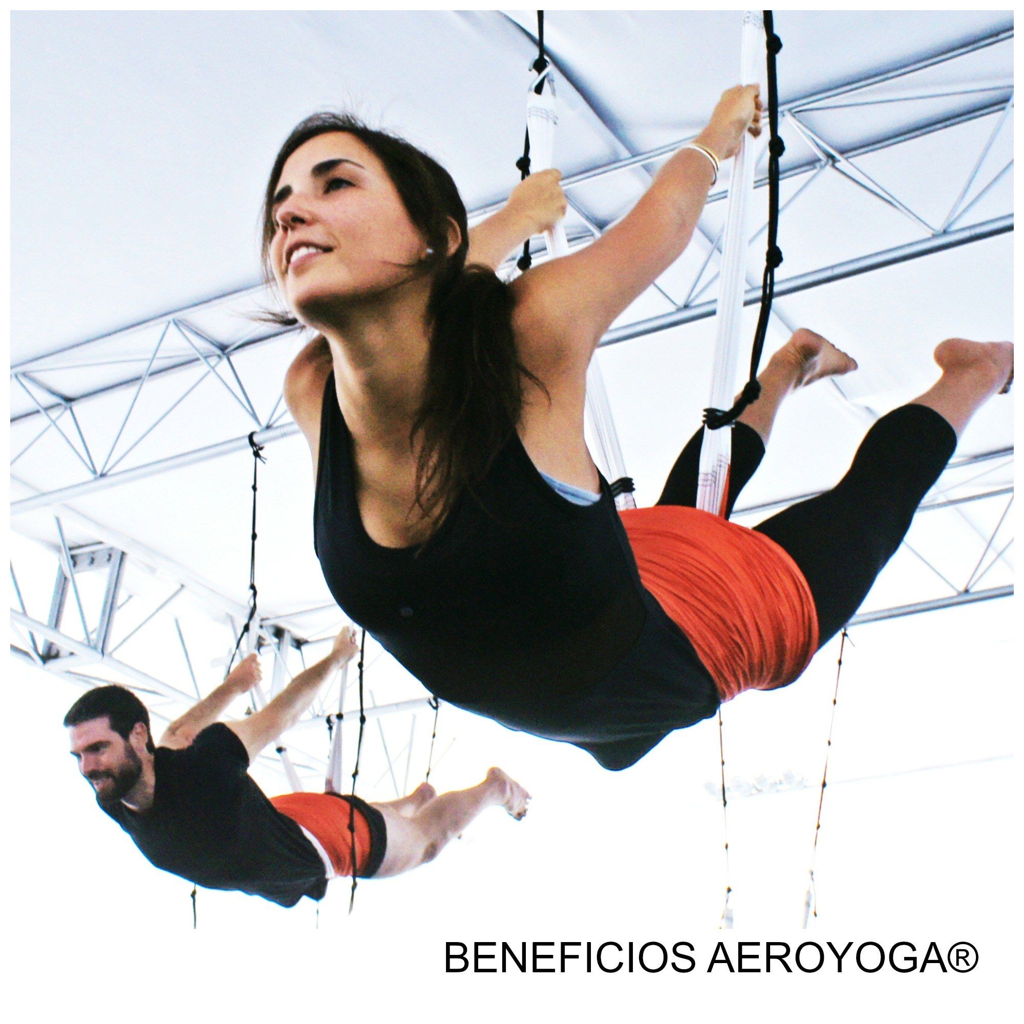 Formación Yoga Aéreo: Descubre los Beneficios para la Salud y el Bienestar del AeroYoga ®
