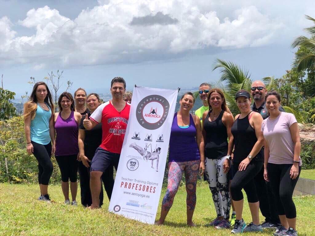 Certificación Yoga Aéreo: Experiencia Aérea de 1 Día con AeroYoga ® y Ayurveda en Puerto Rico