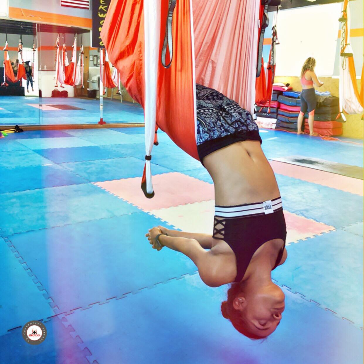 Certificación Yoga Aéreo: AeroYoga ® Acrobático, Beneficios Salud y Bienestar