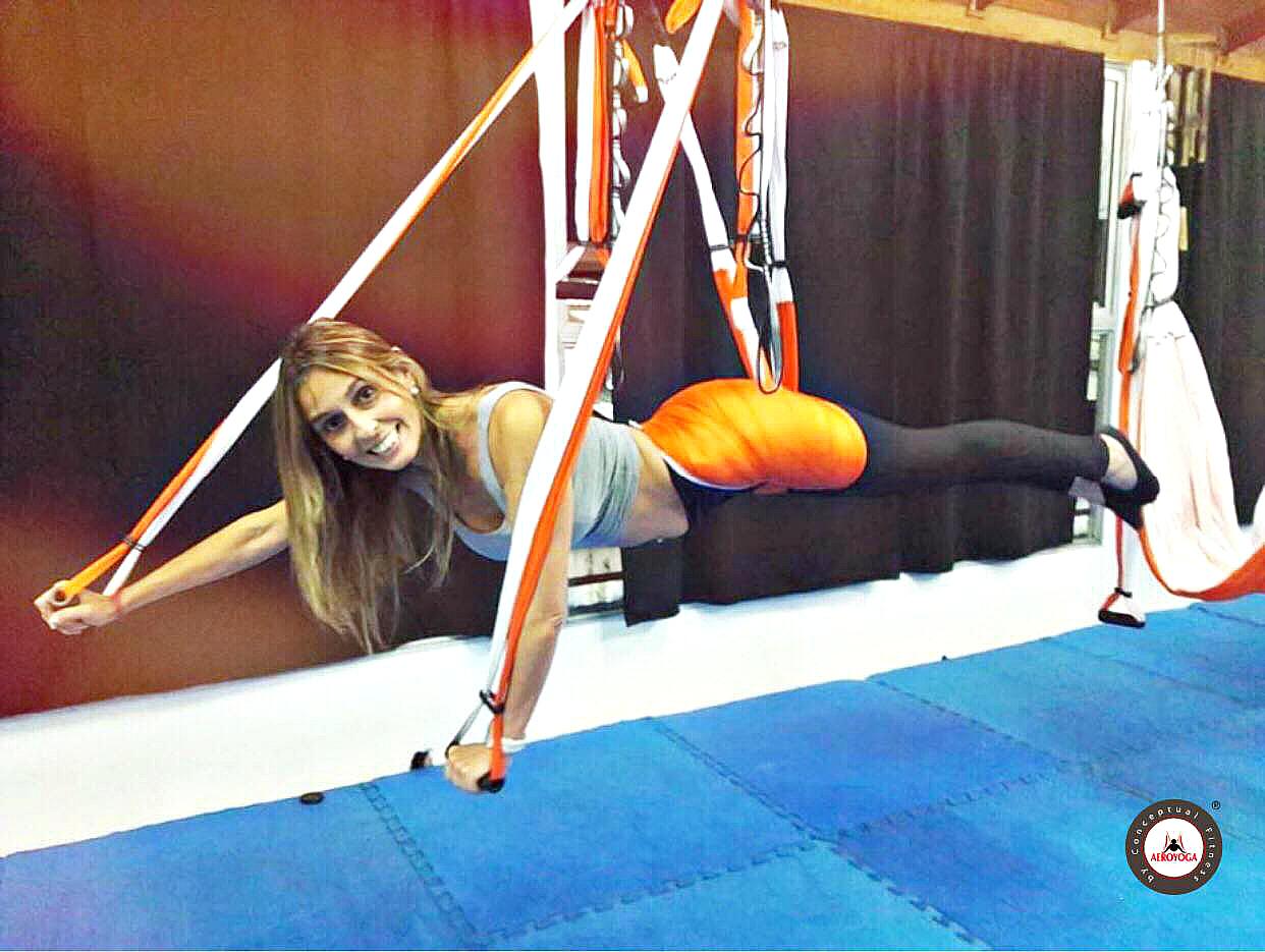 Certificación Yoga Aéreo, Caso de Éxito AeroYoga ® con Maria Laura Pazos