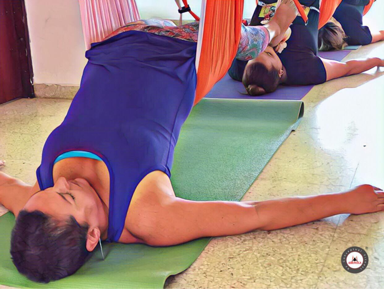 Yoga Aéreo: Puerto Rico, Experiencia Aerea con AeroYoga ® para la Salud y el Bienestar
