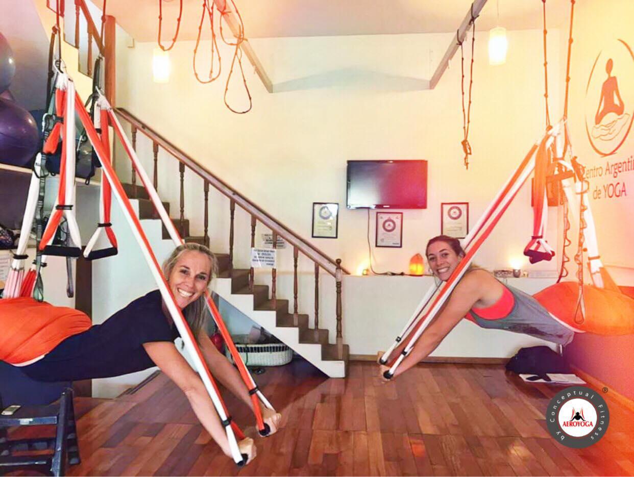 Yoga Aéreo: Caso de Éxito, Entrevista con Soledad Rivara, Profesora Centro AeroYoga ® Argentina, Vídeo!