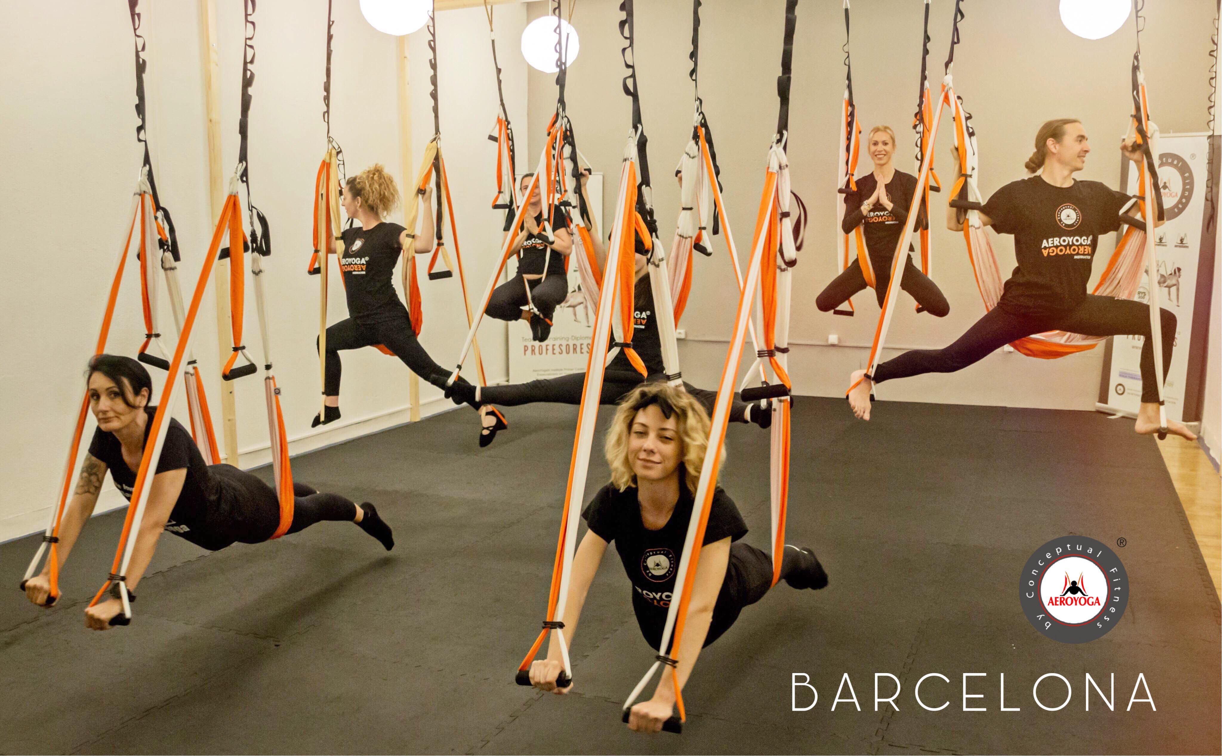 Yoga Aéreo: Esta Semana Impartimos Formación Profesores AeroYoga ® en Barcelona, Madrid y Puerto Rico!