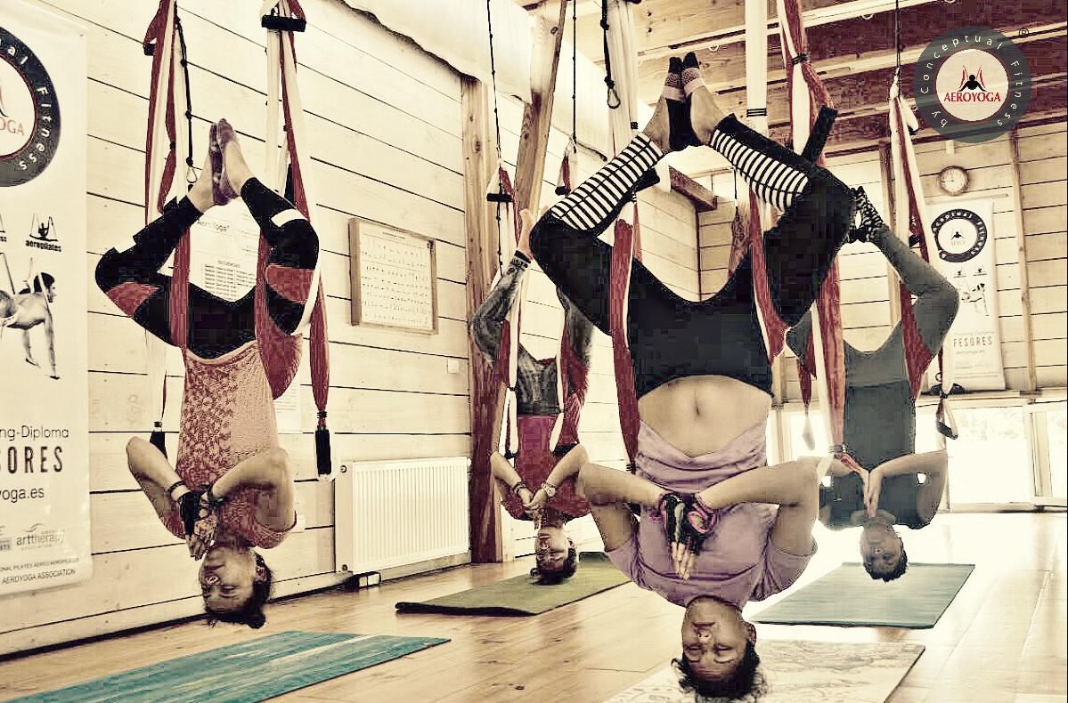 En Directo desde Santiago! Formación Profesores de Aero Yoga Institute (1er Diploma Yoga Aéreo en Chile Acreditado Yoga Alliance)