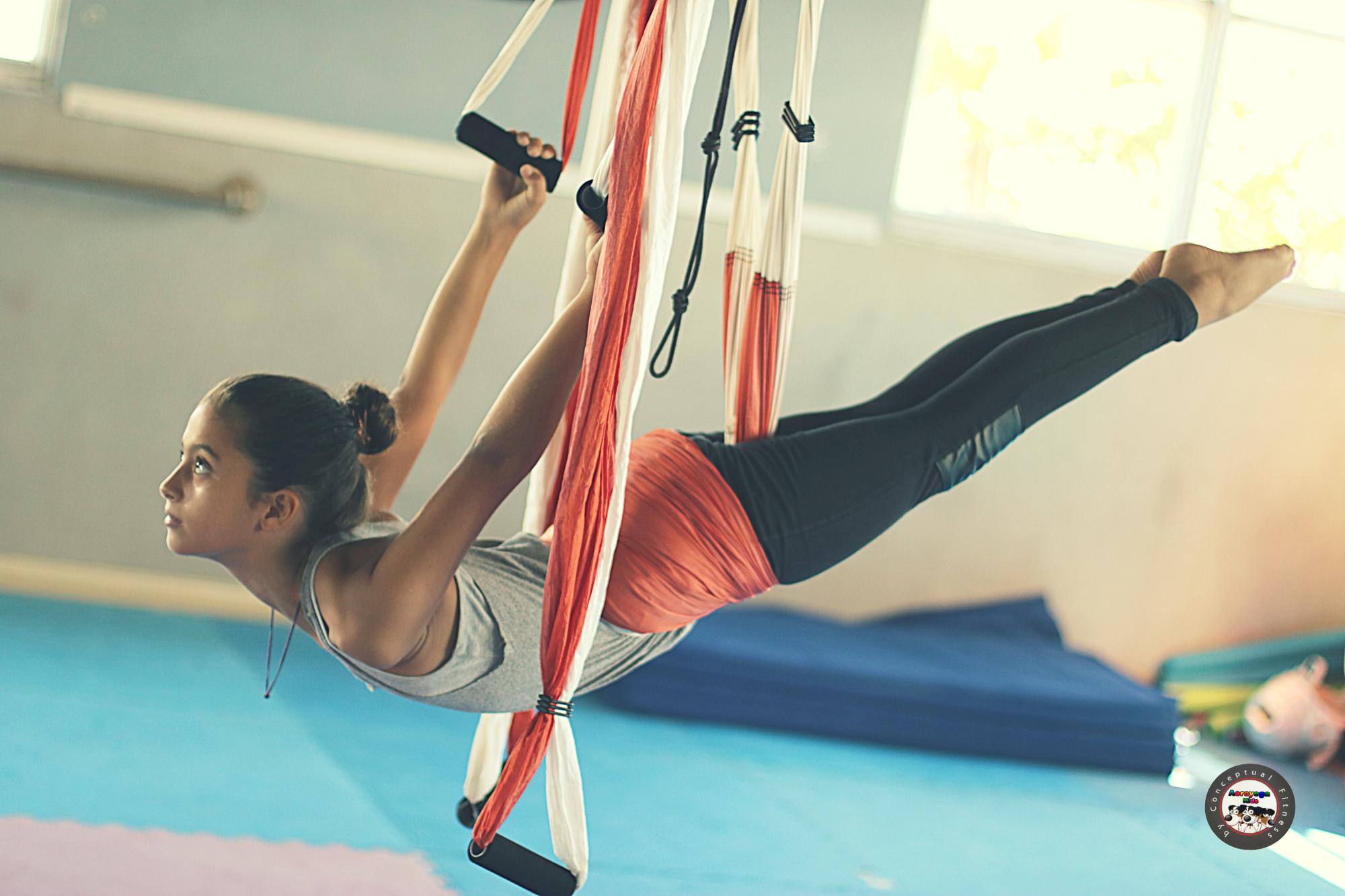 Beneficios del Yoga Aéreo Kids, el AeroYoga® para Niños, AeroKids®