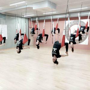 yoga aéreo prensa moda tendencias