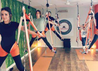 Certificación Yoga Aéreo, Descubre una Secuencia de Ejercicios Acrobáticos de AeroYoga ®
