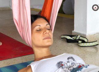 Formación Yoga Aéreo, Ejercicio Anti Estrés para Cuello y Espalda en el Columpio
