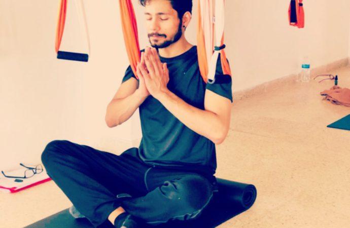 Ejercicio de Meditación de los Himalayas con AeroYoga® International