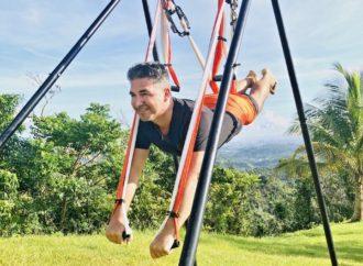 Descubre con Rafael Martínez los Beneficios de la Práctica del AeroYoga ® al Aire Libre, Yoga Aéreo