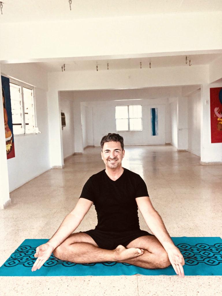 Rafael Martínez Yoga Creativo