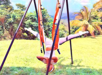 Clase de AeroYoga ® en la Casa de la Ceiba, Formación Profesores Yoga Aéreo