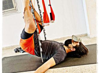 AeroYoga ® Restaurativo: La Importancia del Elemento Tierra en el Yoga Aéreo de Rafael Martínez