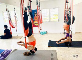 Yoga Puerto Rico, Clases de AeroYoga ® para Perder Peso… Método Aéreo con Rafael Martínez